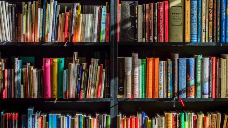 livrar-compartilhando-livros-estante-de-livros
