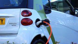 vendas-de-carros-elétricos-cobrando